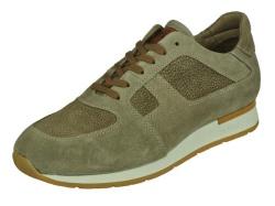 Braend-sportieve schoenen-1