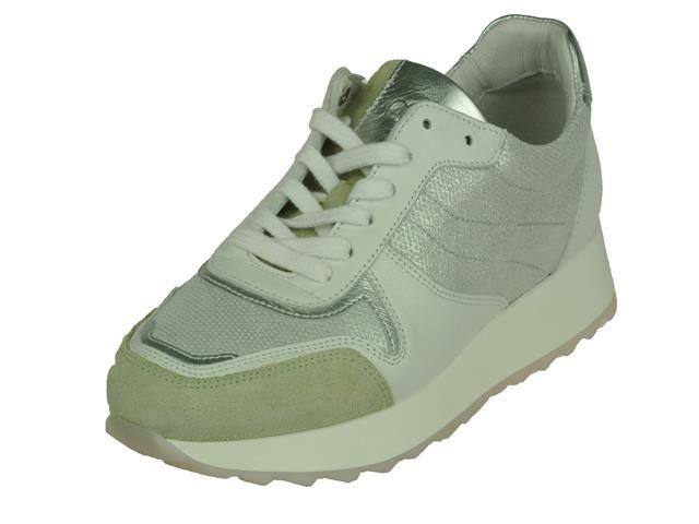 Image of AQA Sneaker